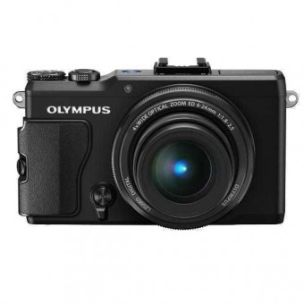Olympus Stylus XZ-2 + Карта 8GB (Class 10), Черен
