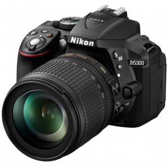 Nikon D5300 + Обектив 18-140VR + Карта 8GB (Class 10)